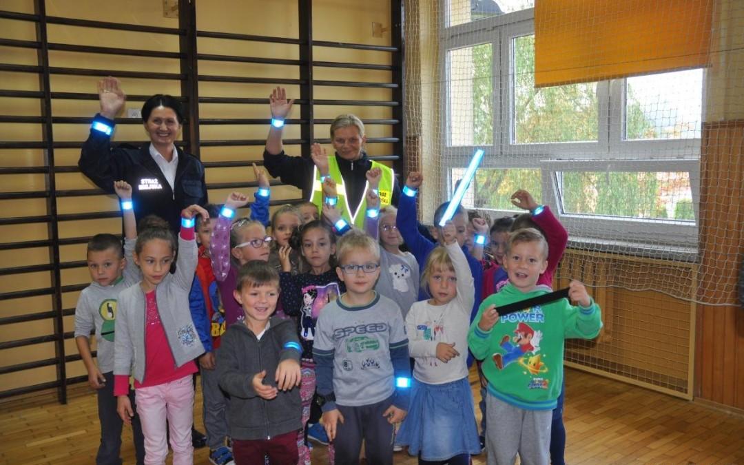 Spotkanie z przedstawicielami Straży Miejskiej w szkolnej świetlicy
